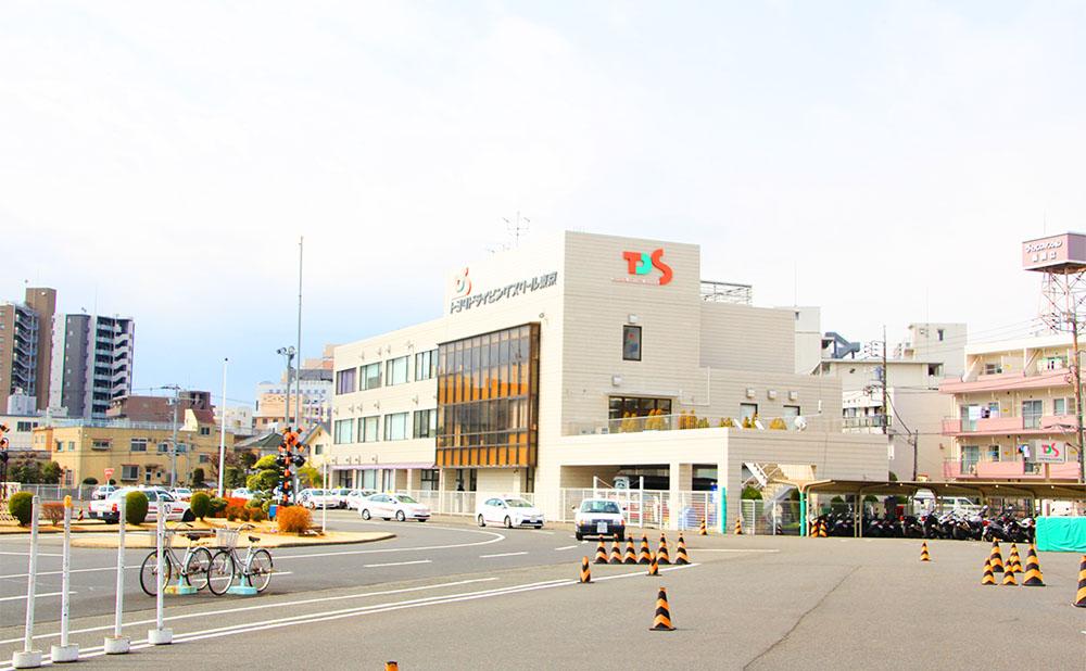 トヨタドライビングスクール東京 | 足に不自由があってもトヨタドライビングスクール東京なら免許が取れる!【東京都】